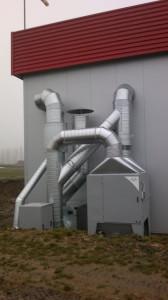Námi instalovaná centrální filtrační jednotka GM9V spomocným ventilátorem pro přisávání čerstvého vzduchu do filtračního systému.
